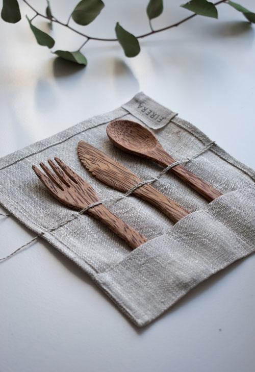 reusable utensil set in carry case